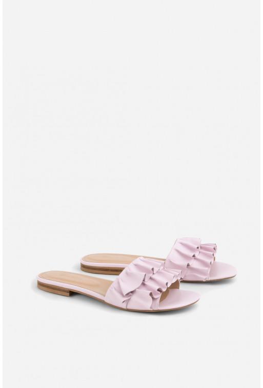Шльопанці блідо-рожеві  з воланами