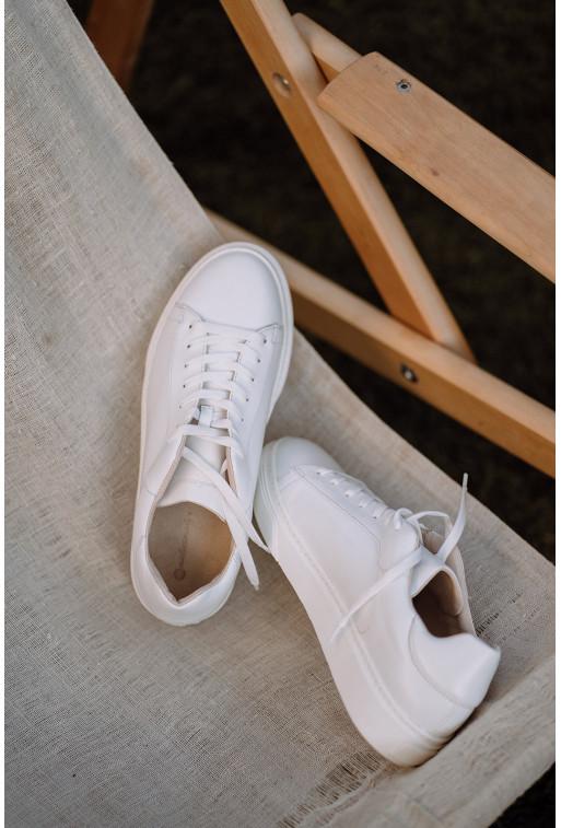 Кеди білі шкіряні  на шнурках