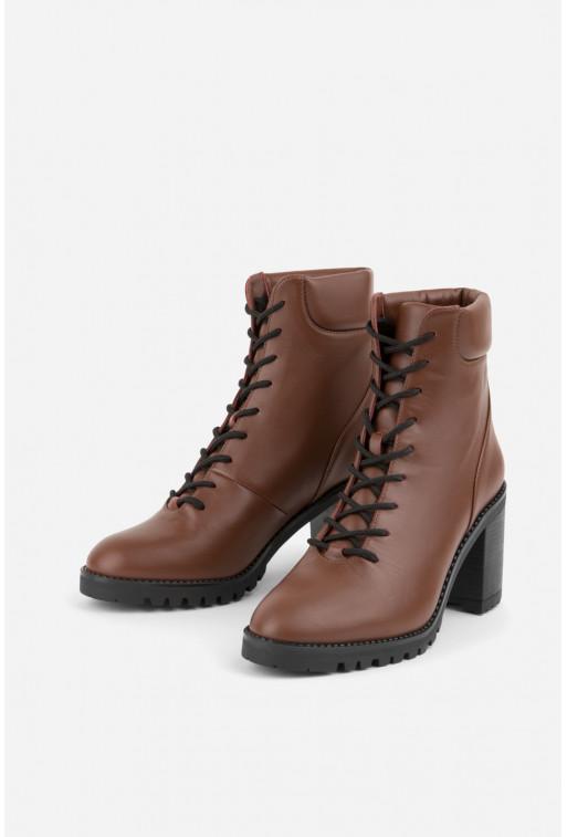 Ботільйони коричневі шкіряні на шнурівці /цигейка/