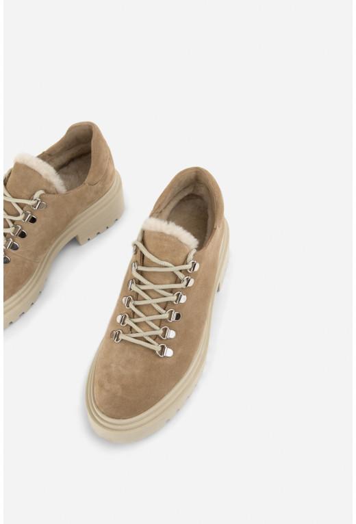Черевики бежеві замшеві  низькі на шнурівці /цигейка/