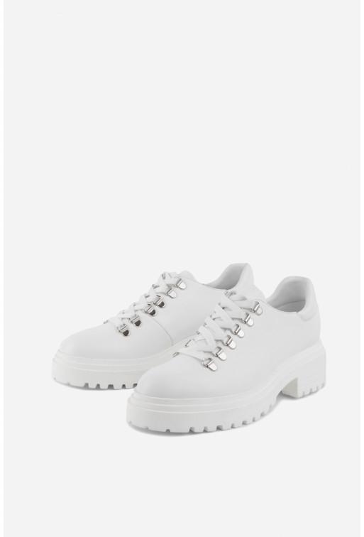 Черевики білі шкіряні  низькі на шнурівці
