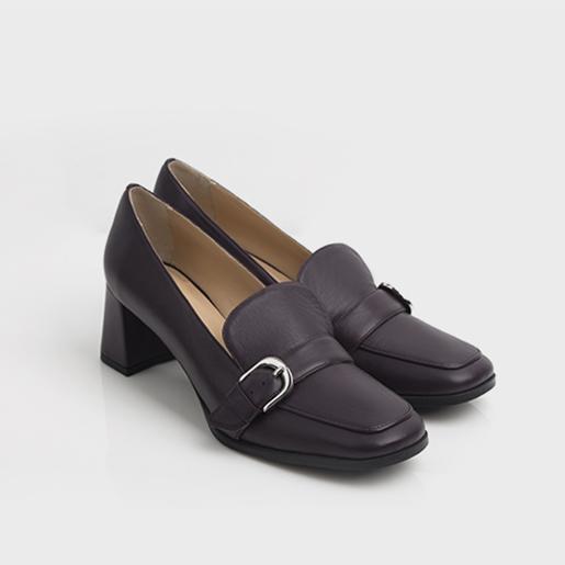 Туфлі- лоуфери.