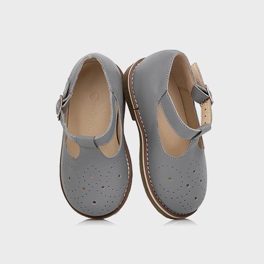 Туфлі з перфорацією