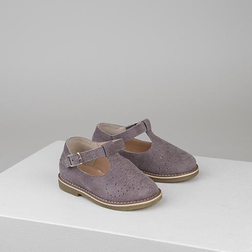 Туфлі бузкові з перфорацією