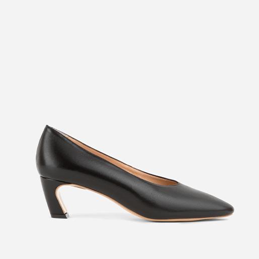Туфлі з фігурним підбором