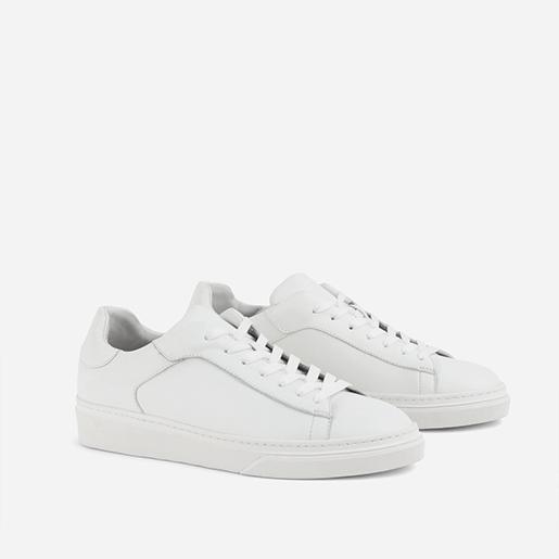 Білі кеди на шнурках