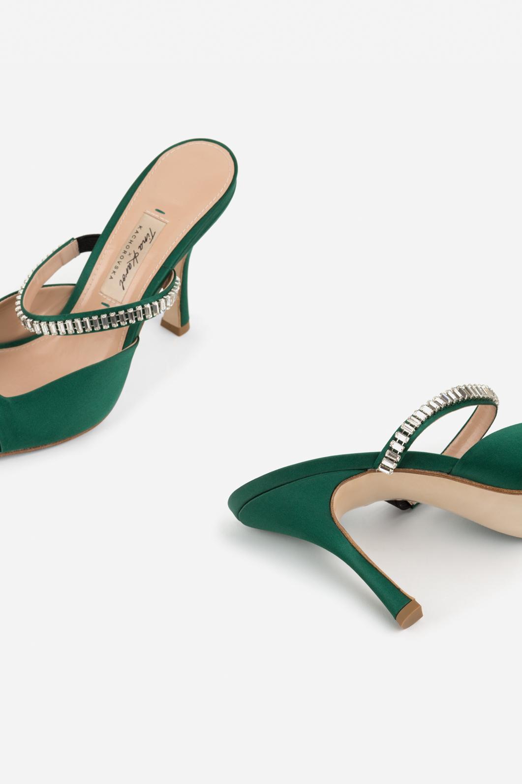 Тина Кароль выпустила собственную коллекцию обуви и сумочек | Караван